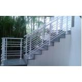 empresa de para peito para escada de alumínio Cursino