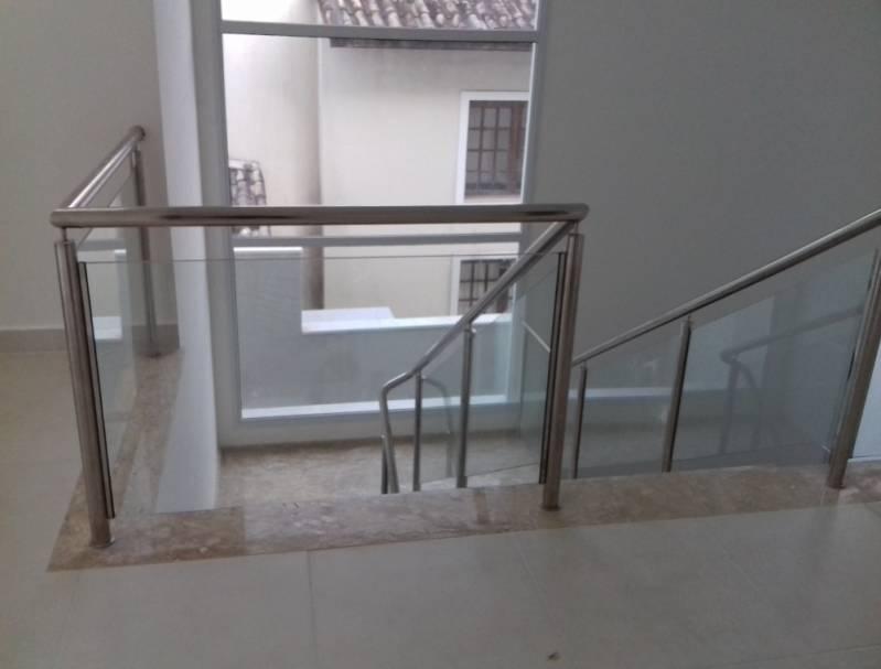 Corrimão Aço Inox com Vidro Preço Jardim São Luiz - Corrimão de Escada com Torre