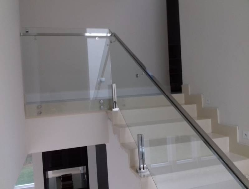 Corrimão com Vidro Temperado Valor Itapegica - Corrimão com Torre de Inox