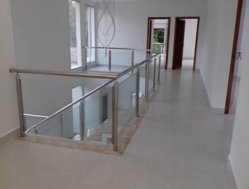 Corrimão com Vidro Temperado Maia - Corrimão com Vidro para Escada
