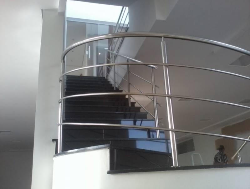 Corrimão de Escada com Torre Preço Residencial Dois - Corrimão com Torre de Inox