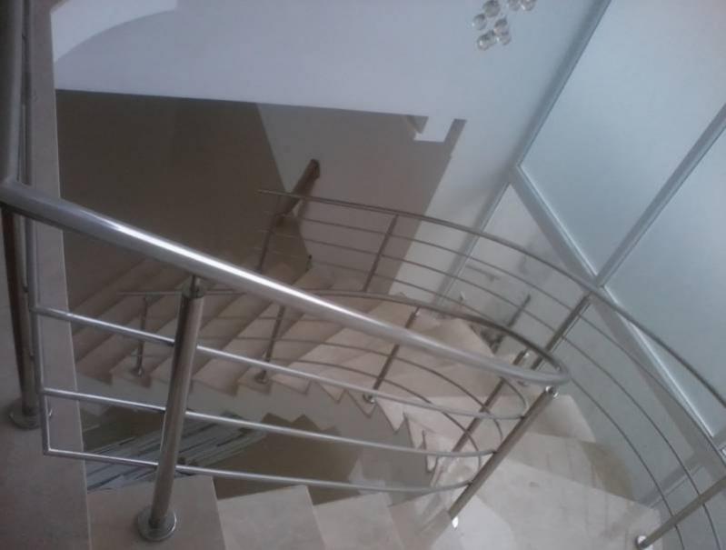 Corrimão de Escada com Torre Valor Morumbi - Corrimão Torre