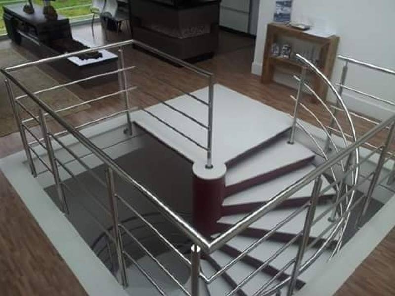 Corrimão de Torre com Vidro Macedo - Corrimão de Torre com Vidro
