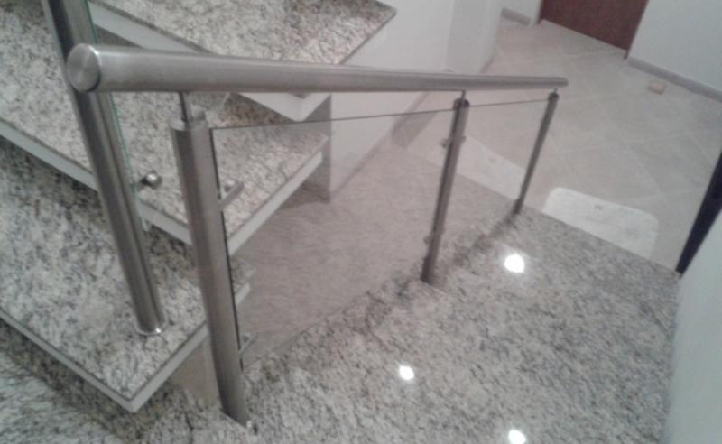Corrimão de Vidro para Escada Preço Bom Clima - Corrimão Articulado
