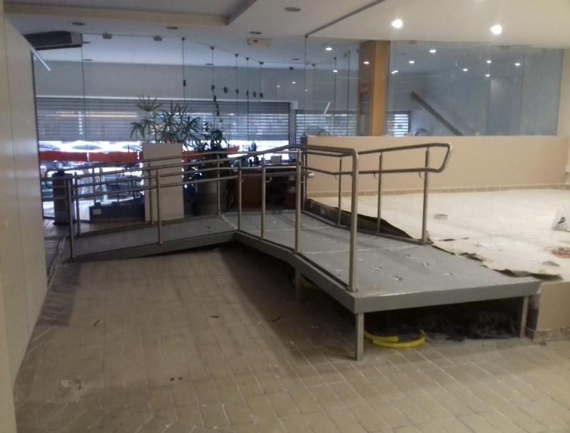 Corrimão para Rampas Aeroporto - Corrimão com Vidro