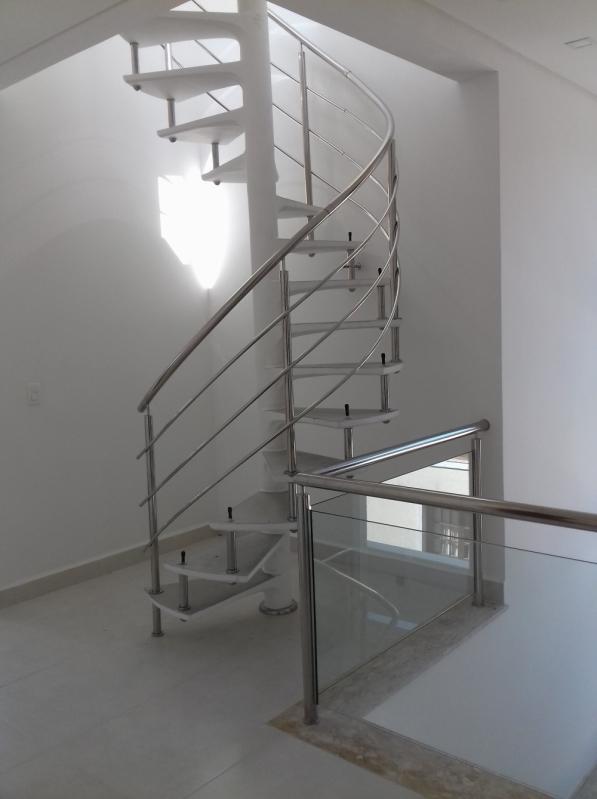 Corrimãos para Escadas Helicoidais Jardim Paulista - Corrimão com Vidro