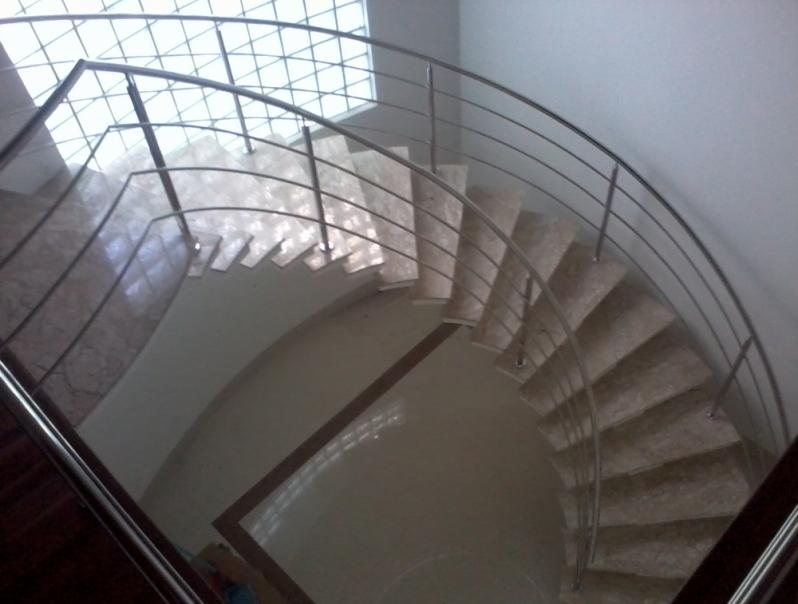 Orçamento de Corrimão para Escada Helicoidal Residencial Doze - Corrimão Articulado