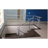 corrimão de escada com torre Gopoúva