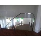 onde encontro corrimão de escada com torre Bairro Vila Jundiaí