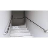 onde encontro suporte de parede para corrimão Residencial Três