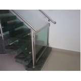 quanto custa corrimão com vidro para escada Residencial Oito